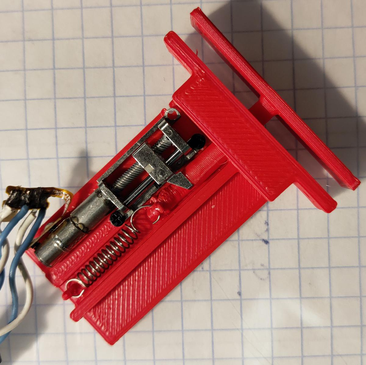 Первый прототип расцепителя